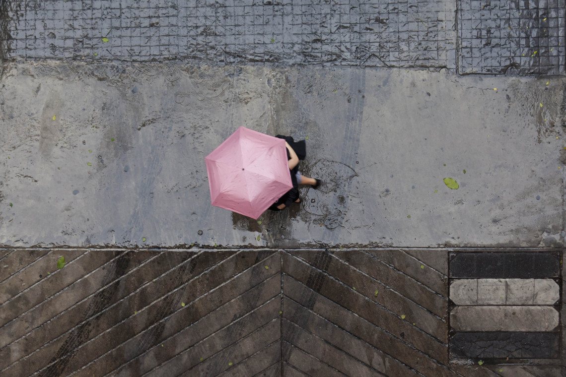 BTS, Pink Umbrella, Robert Götzfried