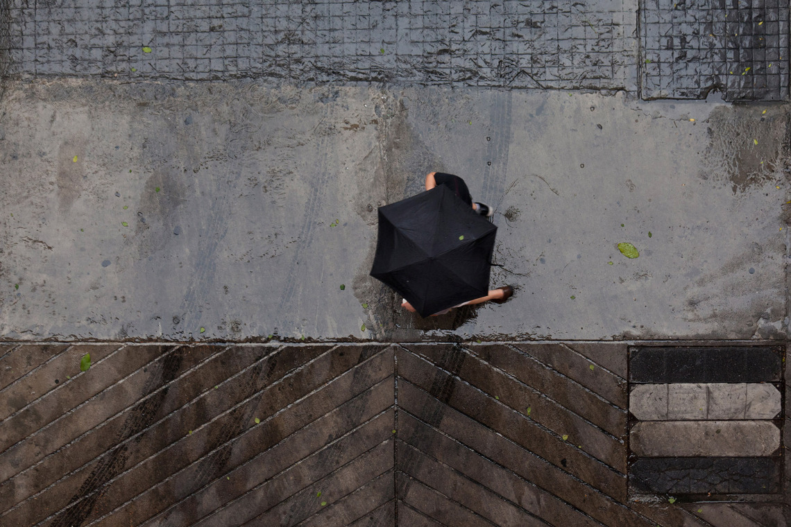 BTS, Black Umbrella, Robert Götzfried