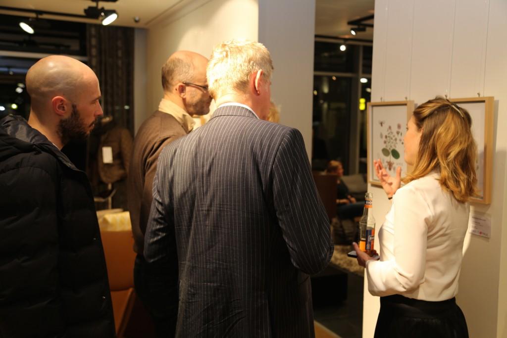 Elisabeth Wallner (Pablo & Paul) im Gespräch mit Gästen über die Werke von der Künstlerin Franziska Seitz